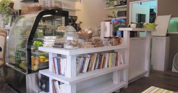 בית קפה בנווה מונסון